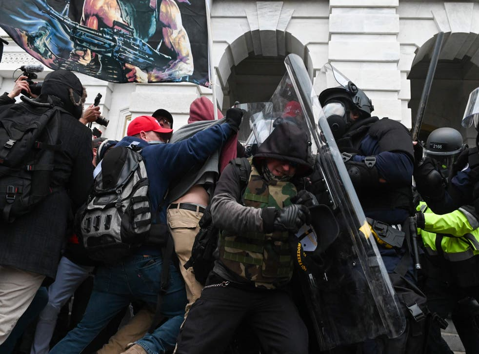 <p>A US Capitol Police officer has died of injuries sustained during clashes with a mob of Trump's supporters</p>