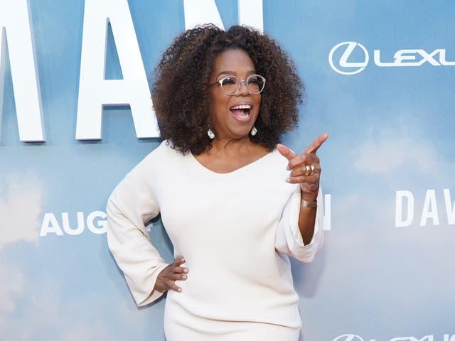 <p>Oprah es un usuario de la nueva aplicación exclusiva de redes sociales.</p>