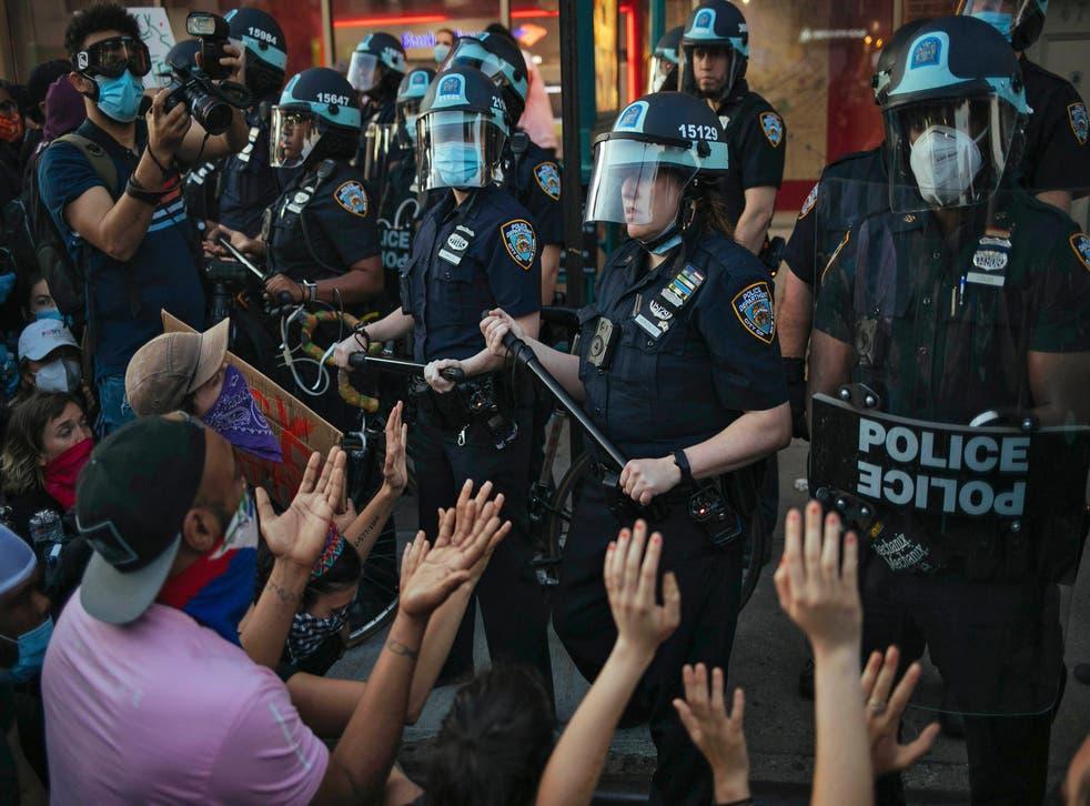 NUEVA YORK-POLICIA-DEMANDA