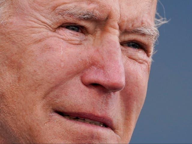 """<p>El presidente electo Joe Biden llora mientras habla en el Centro de Reserva / Guardia Nacional Major Joseph R. """"Beau"""" Biden III, el martes 19 de enero de 2021, en New Castle, Delaware.</p>"""