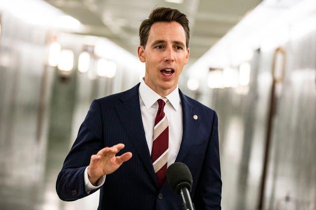 <p>La medida de Hawley se produjo cuando el Senado comenzó una agitada agenda de audiencias para los nominados al gabinete</p>