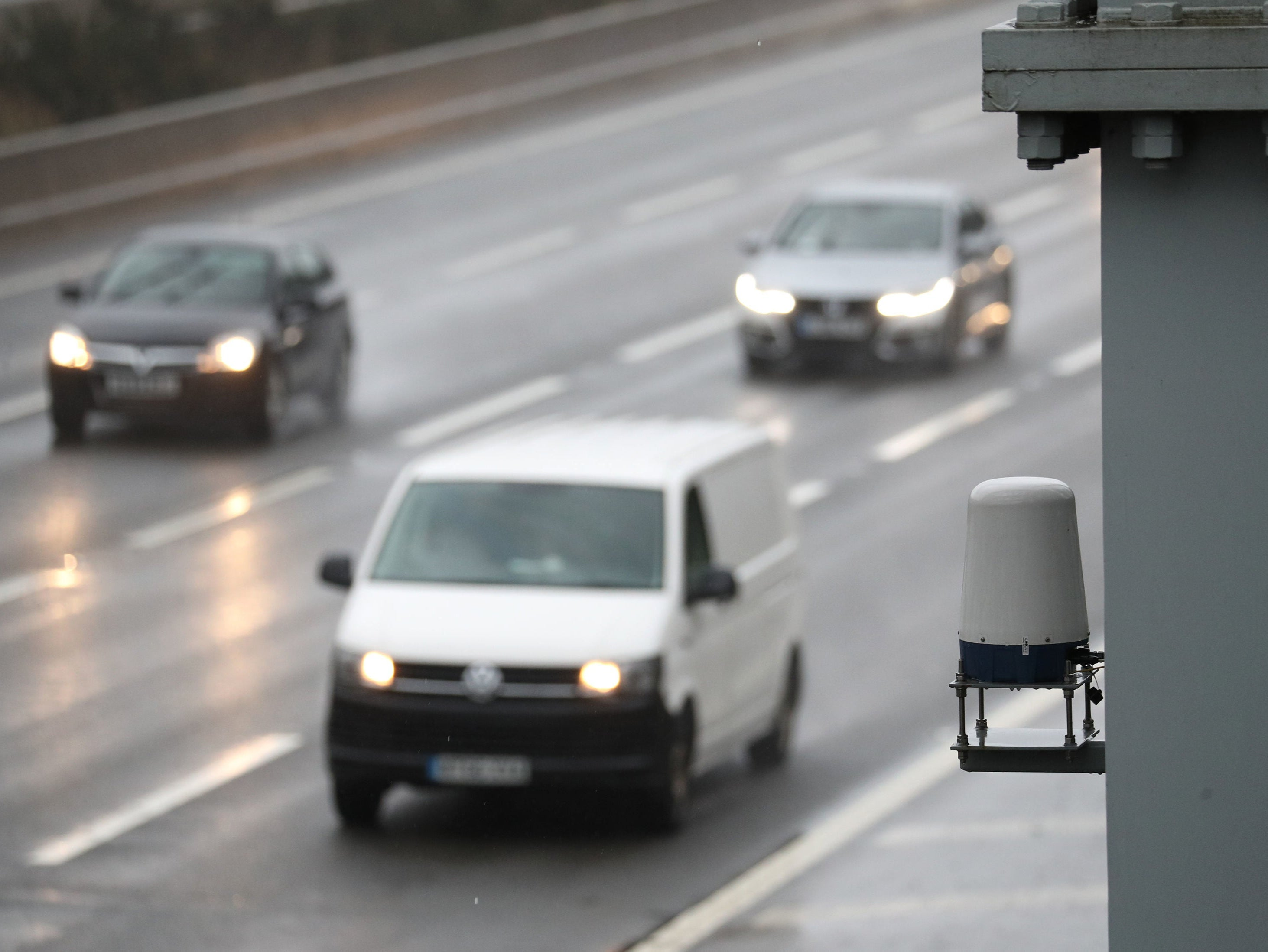 Less than 5% of England's 500-mile smart motorway network has breakdown-detecting radar technology