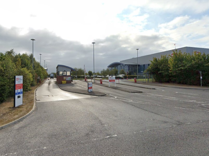 Covid: Worker dies and 95 staff isolating after outbreak at Müller factory