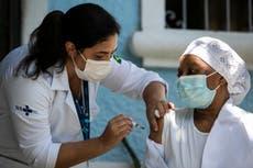 Brasil espera cargamento de vacunas procedentes de India