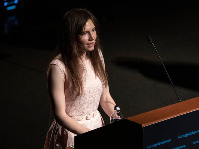 <p>Amanda Knox delivers a speech during the Criminal Justice Festival, an event organised by The Italy Innocence Project and the local association of barristers, on 15 June 2019 in Modena</p>