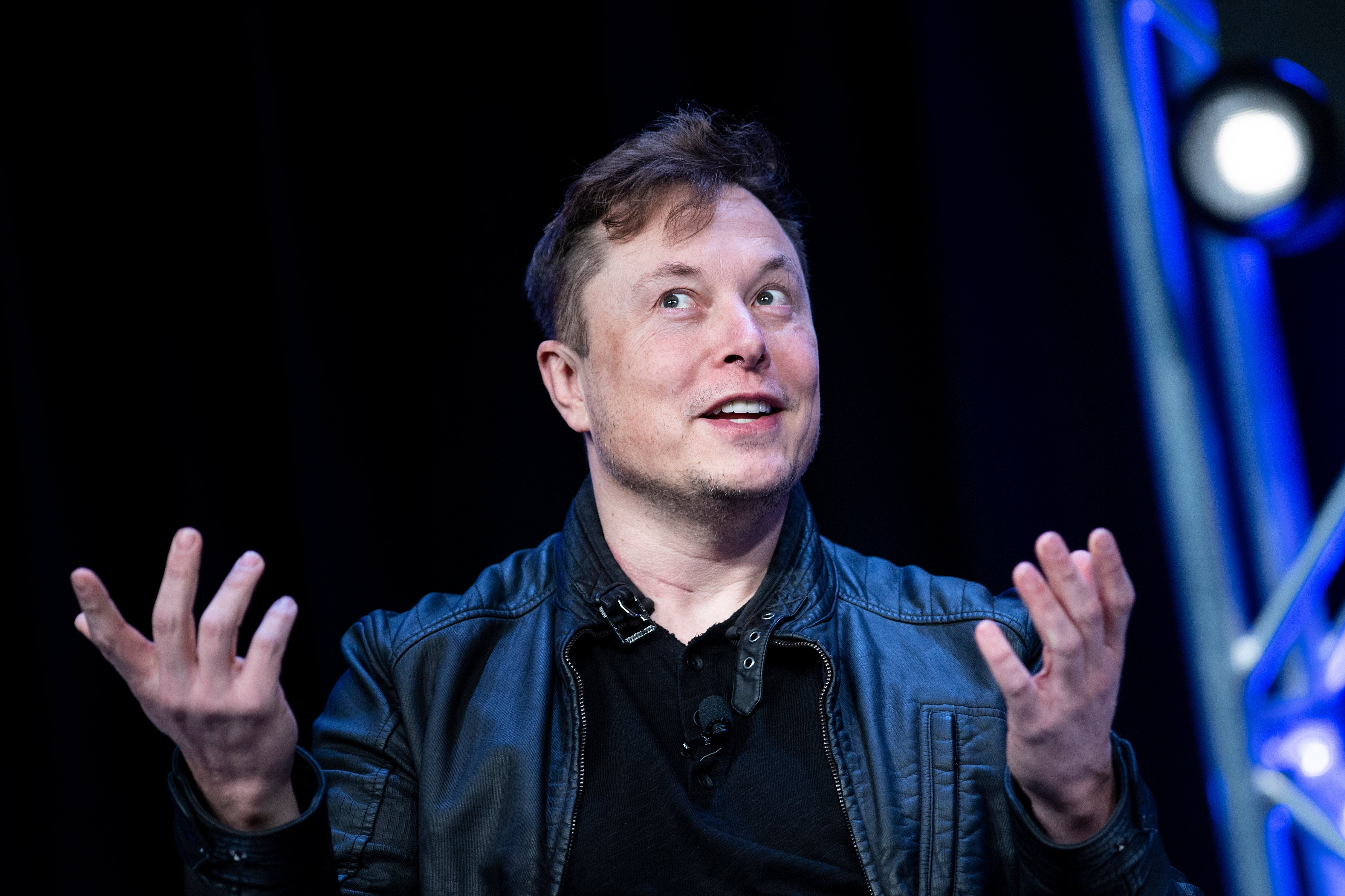 Elon Musk complains Discord chat service has gone 'Corpo' after it took down WallStreetBets