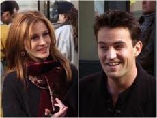 """Friends: Julia Roberts hizo que Matthew Perry """"escribiera un artículo sobre física cuántica"""" para estar en la serie"""