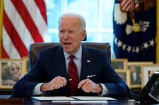 Joe Biden defiende su andanada de decretos presidenciales