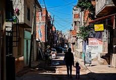 Argentina impone un nuevo impuesto a los ricos para pagar la ayuda económica por la pandemia de COVID-19