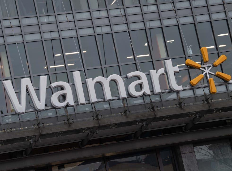 <p>Cuatro niñas fueron arrestadas durante el fin de semana luego de que el apuñalamiento fatal de una niña de 15 años en un Walmart</p>