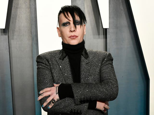 <p>BEVERLY HILLS, CALIFORNIA - 09 DE FEBRERO: Marilyn Manson asiste a la Vanity Fair Oscar Party 2020 organizada por Radhika Jones en el Wallis Annenberg Center for the Performing Arts el 09 de febrero de 2020 en Beverly Hills, California. </p>