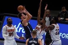 Booker da triunfo a Suns sobre Mavericks con un triple