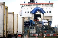 Irlanda del Norte paraliza controles en puertos por amenazas
