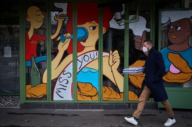 <p>Taken away: Paris restaurants have lost their raison d'etre</p>