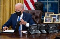 """Biden firma una orden para """"deshacer"""" las separaciones familiares"""