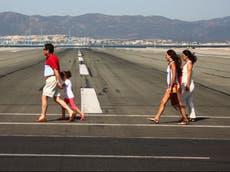 Anuncian nuevos vuelos  Gibraltar a partir de mayo, pese a la prohibición de vacaciones