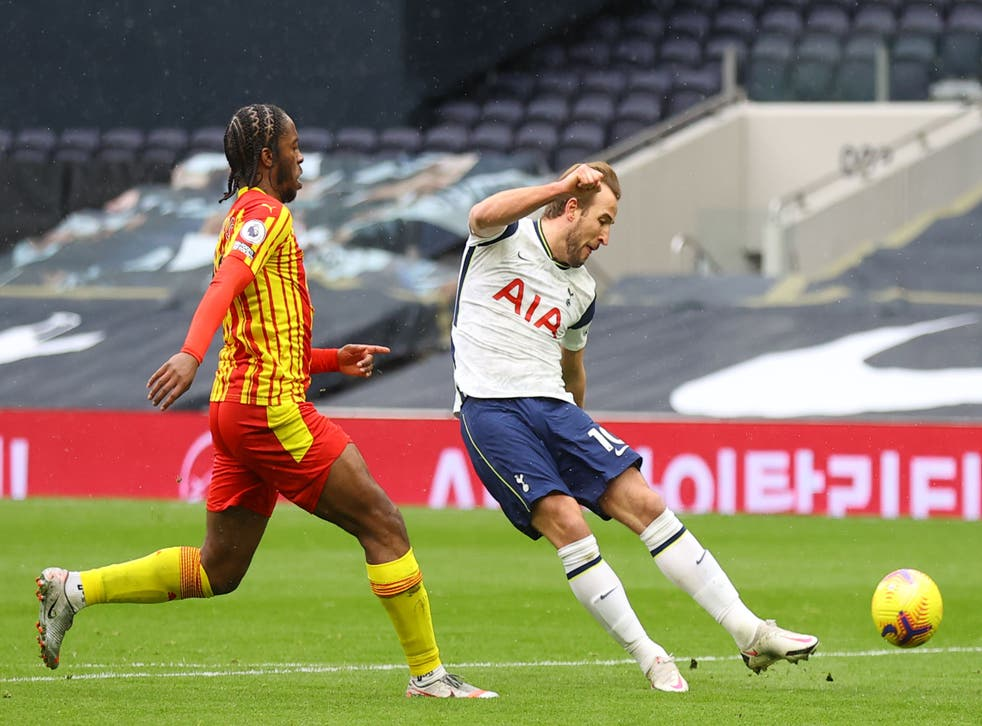 Harry Kane shoots on goal