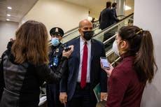 Senadores reaccionan a impactante video del asalto al Capitolio mientras discuten juicio político de Trump