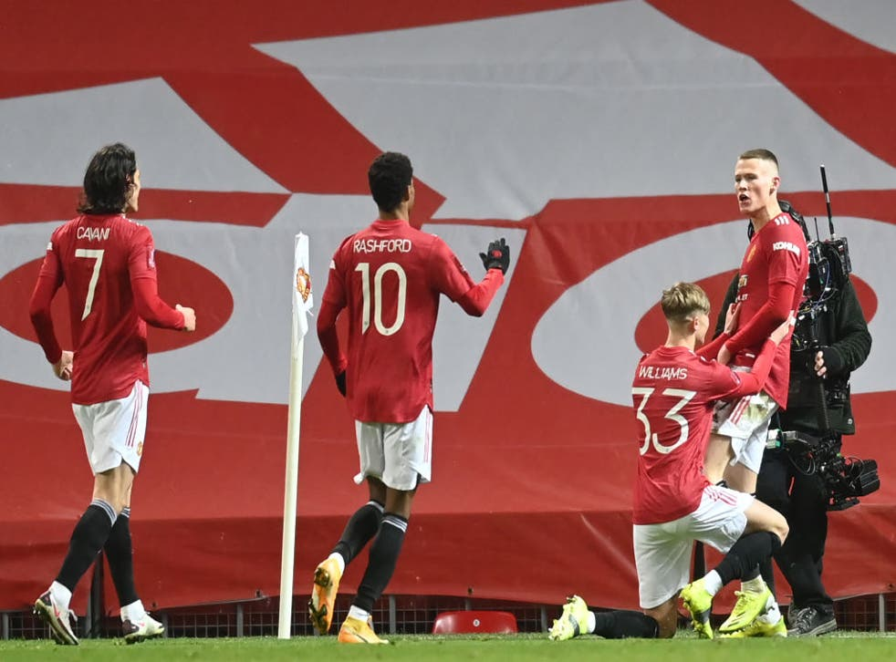 Scott McTominay celebrates his winner for Man United