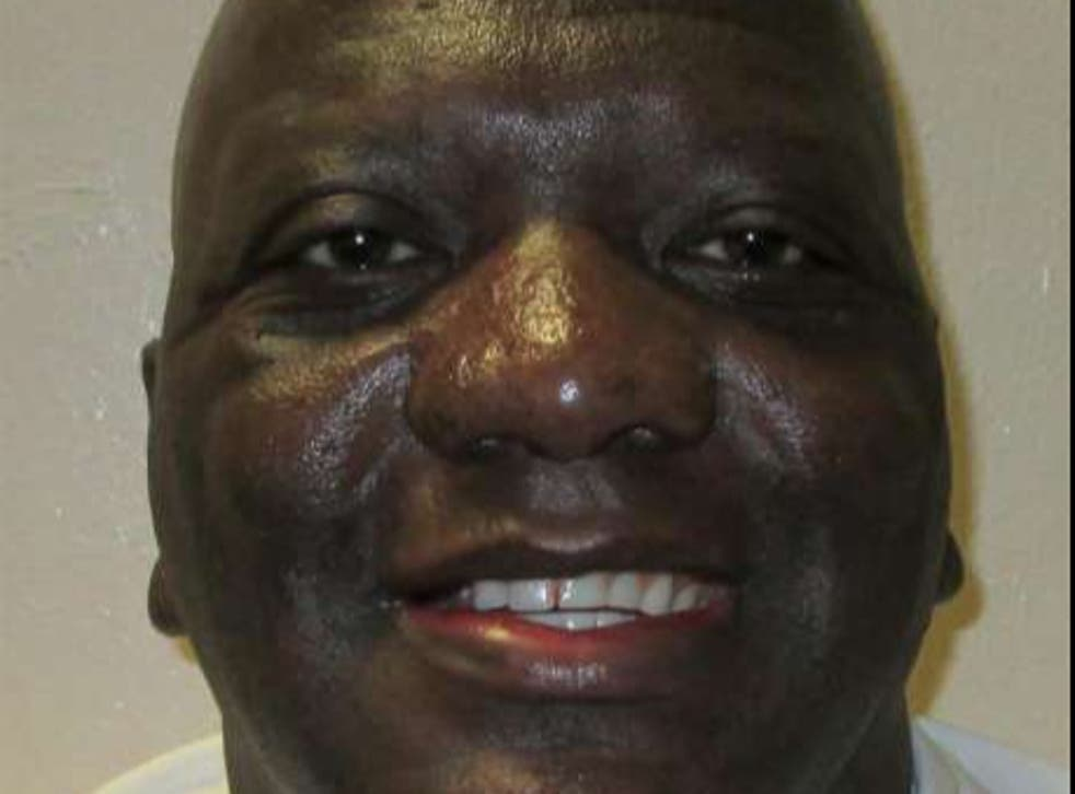 Court Stays Execution of Alabama Inmate Willie B. Smith 21 Hours Before Scheduled Death