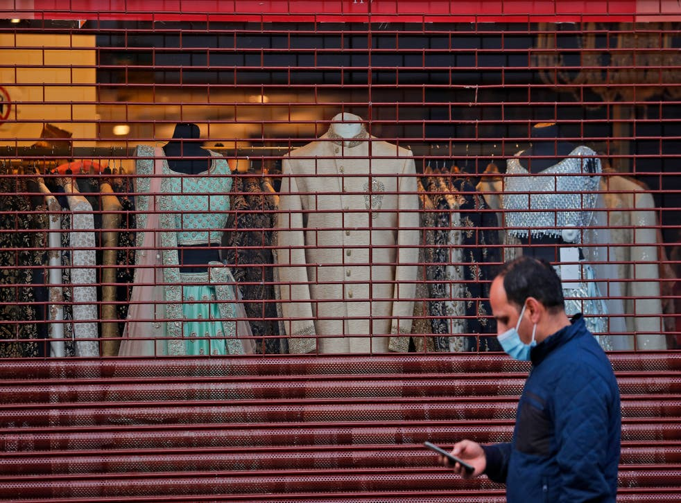 <p>The Consumer Prices Index (CPI) fell to 0.4 per cent in February, down from  0.7 per cent the previous month</p>