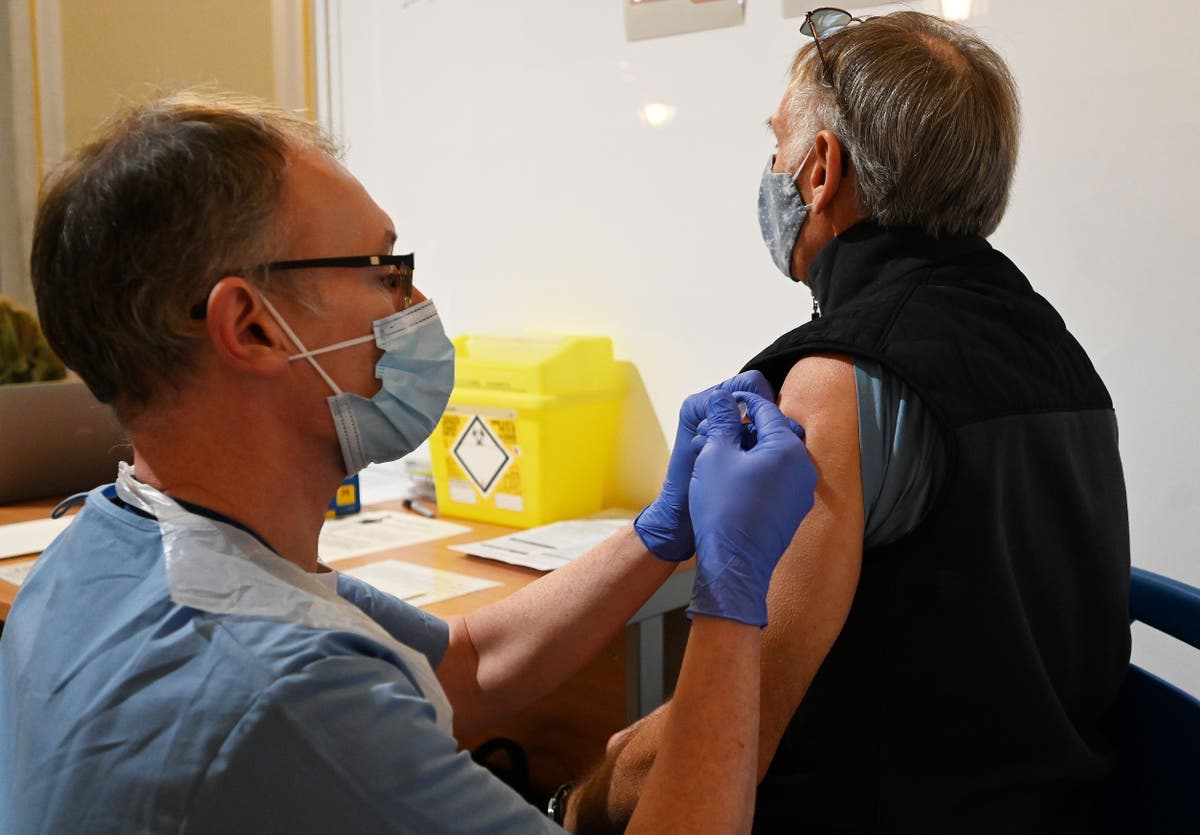 Covid vaccine to be offered to over-65s from next week