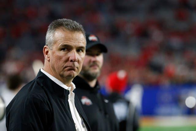 <p>Urban Meyer, entrenador de Jacksonville, había defendido la contratación de Doyle</p>