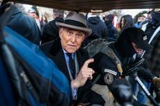 Seis miembros de Oath Keepers que cuidaron a Roger Stone, aliado de Trump, atacaron el Capitolio