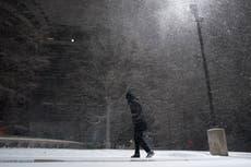 Apagones y vuelos cancelados para miles mientras tormenta invernal sigue azotando Estados Unidos