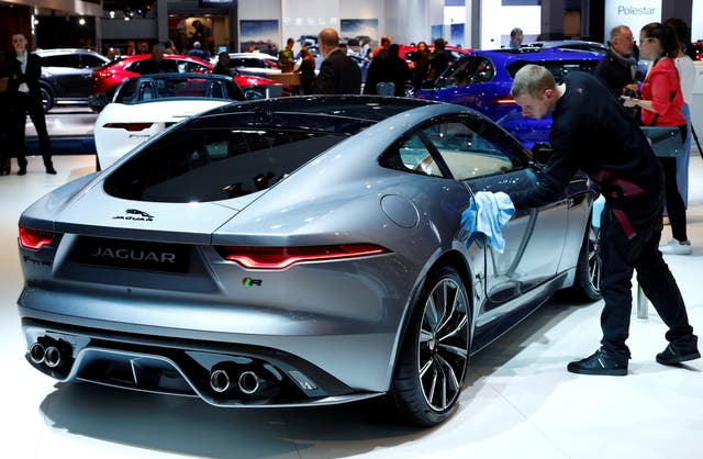 <p>Car maker to phase outinternal combustion engines</p>