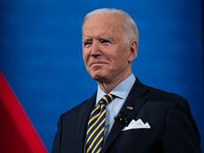 """Biden se compromete a que las vacunas estén disponibles para """"todos los estadounidenses"""" a finales de julio"""