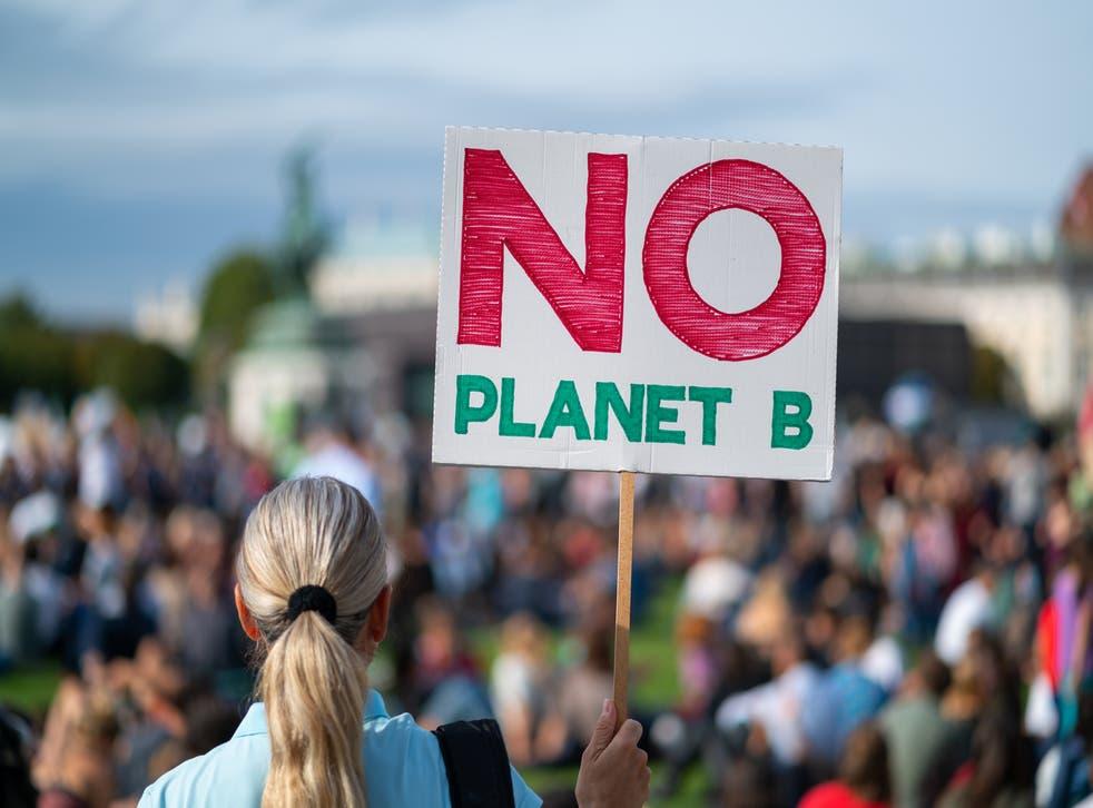 <p>Con tal de hacer realidad las intenciones de un verdadero cambio climático a favor de nuestro planeta, se creó una nueva comisión compuesta por diversas naciones que se comprometerán a implementar acciones a corto plazo para evitar más contaminación.</p>