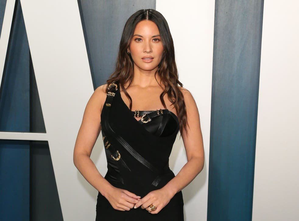 Olivia Munn attends the 2020 Vanity Fair Oscar party on 9 February 2020 in Beverly Hills, California