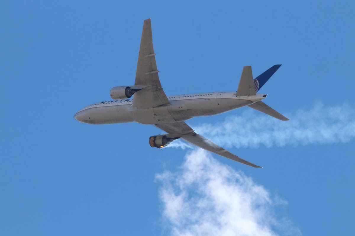 FAA orders United to inspect Boeing 777s after emergency