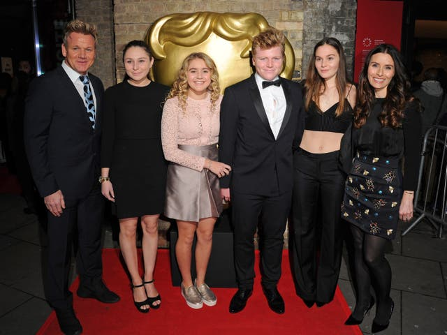 <p>Gordon Ramsay, Megan Ramsay, Matilda Ramsay, Jack Ramsay, Holly Ramsay y Tana Ramsay en los premios BAFTA Children's Awards en The Roundhouse el 20 de noviembre de 2016 en Londres, Inglaterra. </p>