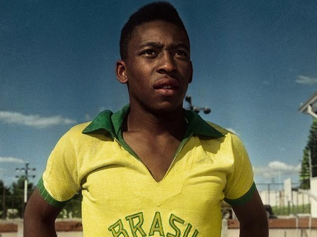 <p>Futbolista brasileño, Pelé.</p>