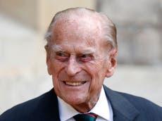 El príncipe Felipe permanecerá en el hospital y tiene una infección, dice el Palacio de Buckingham