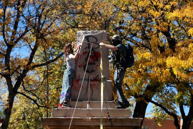 <p> Más de 160 símbolos confederados fueron retirados de los espacios públicos o renombrados el año pasado después de la muerte de George Floyd</p>