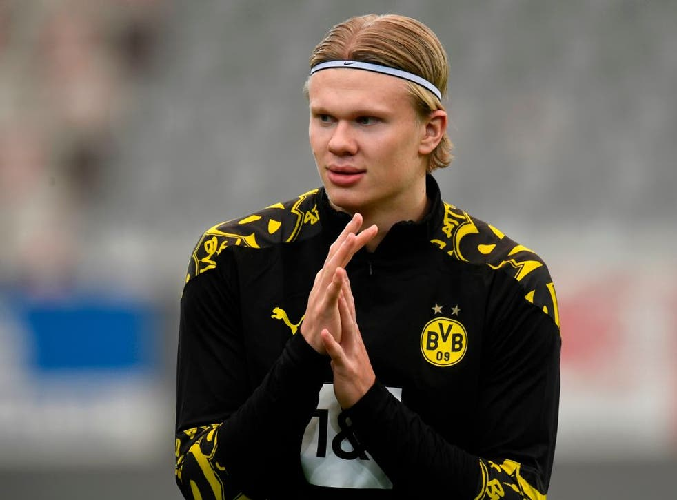 <p>Ole Gunnar Solskjaer says he still keeps in touch with Erling Haaland</p>