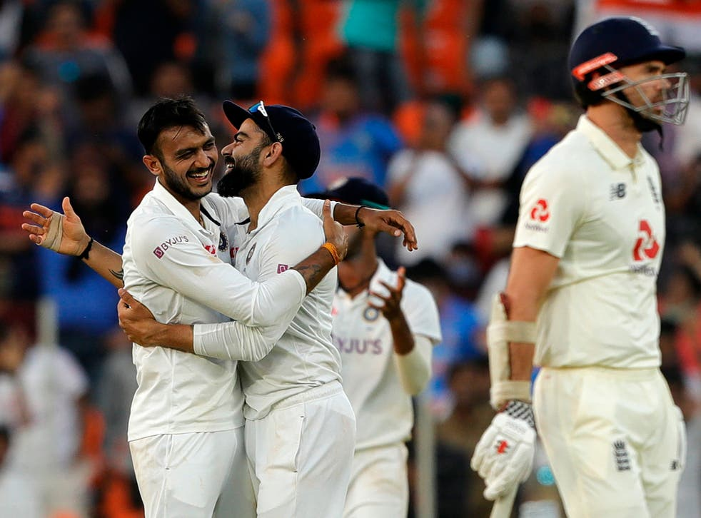 <p>India team celebrates the wicket during day one of the third Test</p>