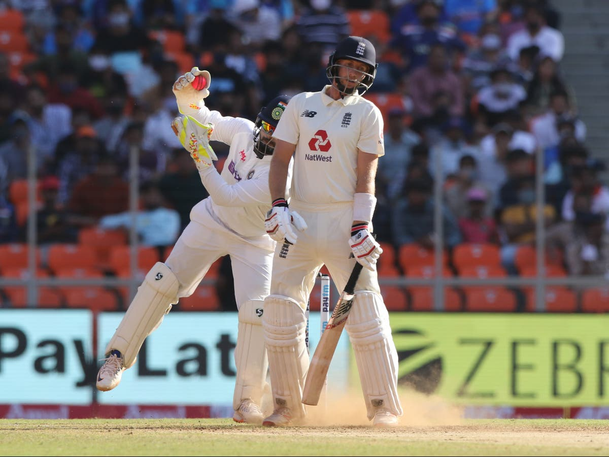 """Joe Root screams for a rare rally demanding England to be """"brave"""" in the final test against India - Eminetra.co.uk"""