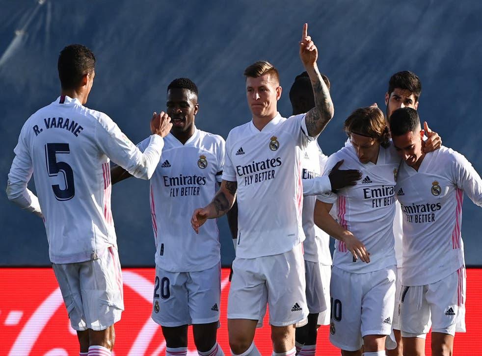 Real Madrid celebrate a Toni Kroos goal