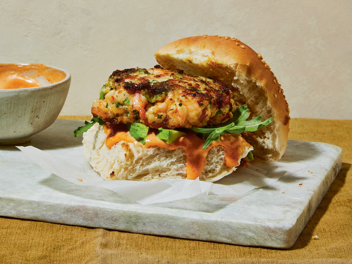 The No Egg Hack For Perfect Shrimp Burgers With Sriracha Mayo The Independent