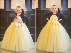 Nicola Coughlan le responde a presentadora que la llamó 'la chica gorda de Bridgerton' durante los Globos de Oro