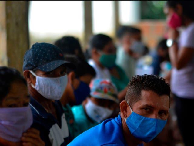"""<p>Un estudio en personas infectadas con P1 en la ciudad amazónica de Manaus ha demostrado que la variante lleva una """"constelación única de mutaciones"""".   </p>"""