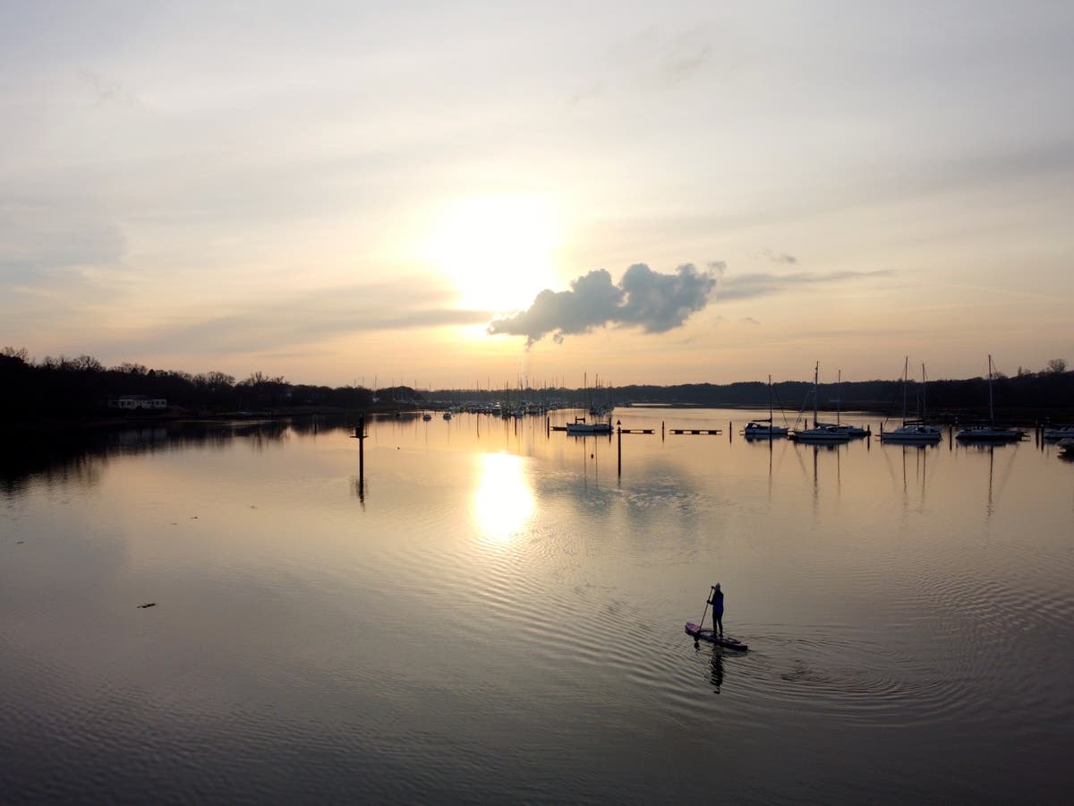 Cold weather paddleboarding: The benefits of a year-round SUP workout