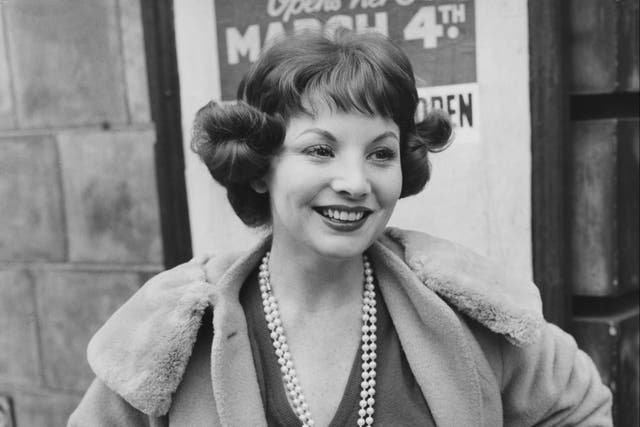 <p>Bayless arrives at a theatre in London for a rehearsal in 1958</p>