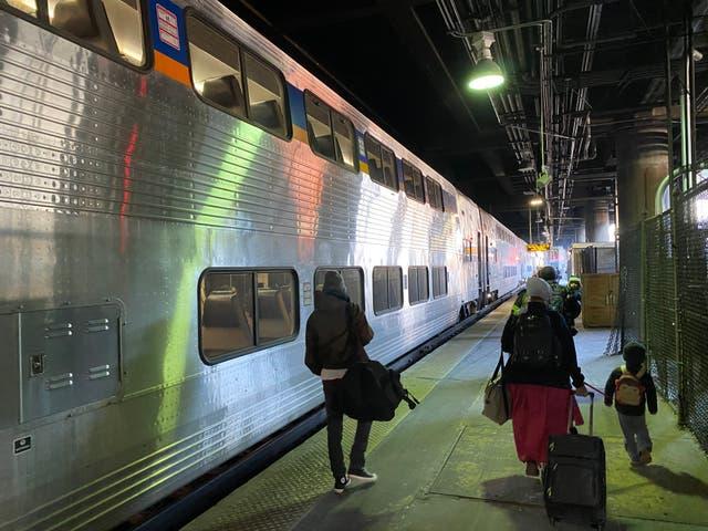 <p> Los viajes en tren de larga distancia en Estados Unidos hoy en día son para románticos. Tomar este viejo tren entre Washington D.C. y Chicago no es la forma más rápida, barata o incluso más cómoda de llegar   </p>