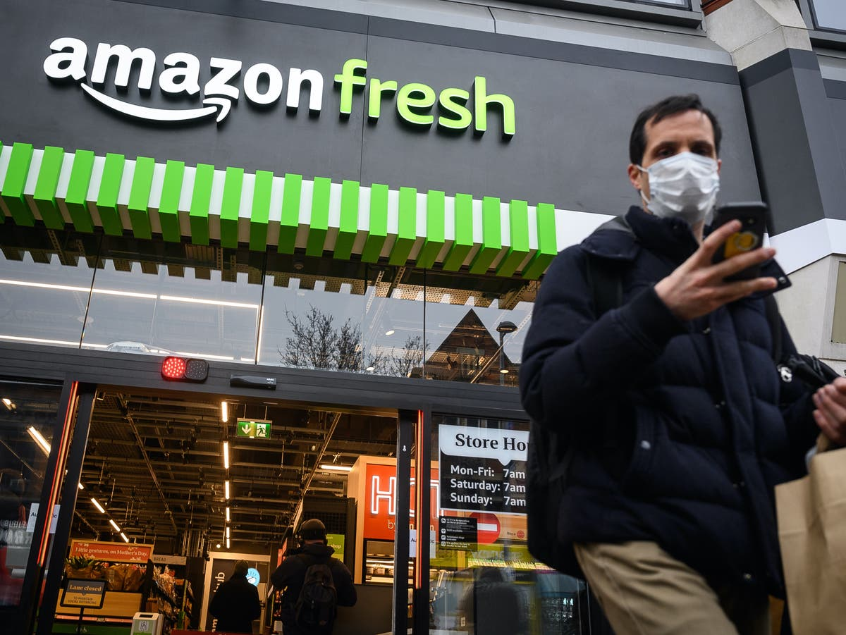 'It's scary': Shoppers give verdict on Amazon's futuristic till-free supermarket - The Independent