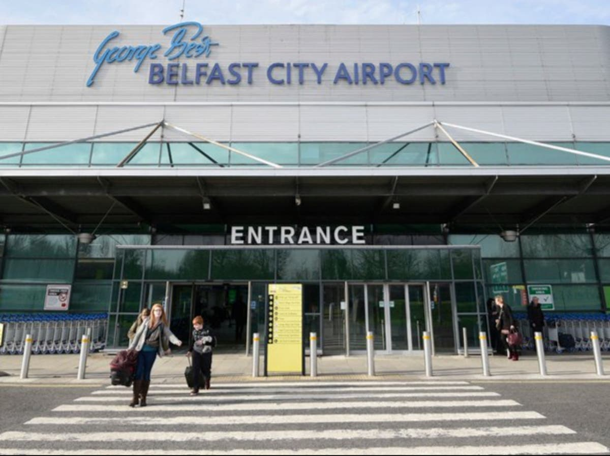 Ryanair moves back to George Best Belfast City airport with summer sun flights